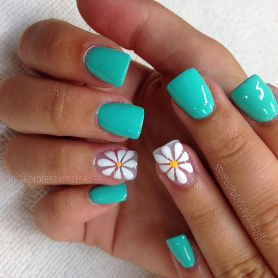 Best Colorful and Stylish Summer Nails Ideas 48