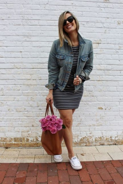 Inspiring Spring Outfits Ideas for Young Mom 1