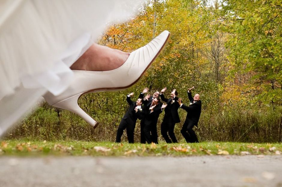 100+ Groomsmen Photos Poses Ideas You Can't Miss 13