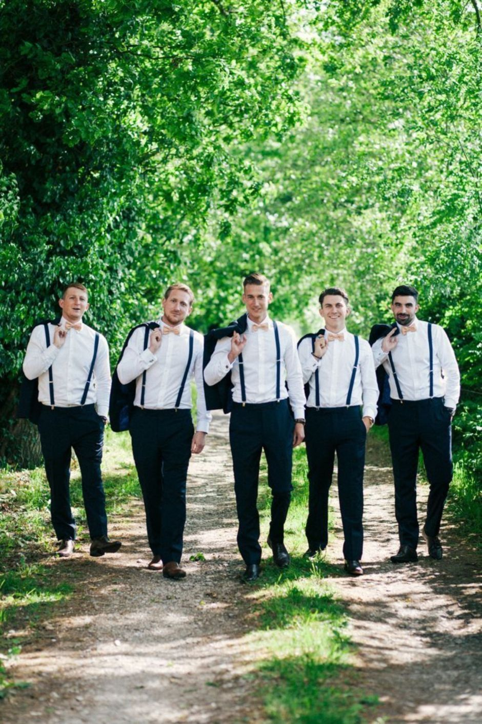 100+ Groomsmen Photos Poses Ideas You Can't Miss 41