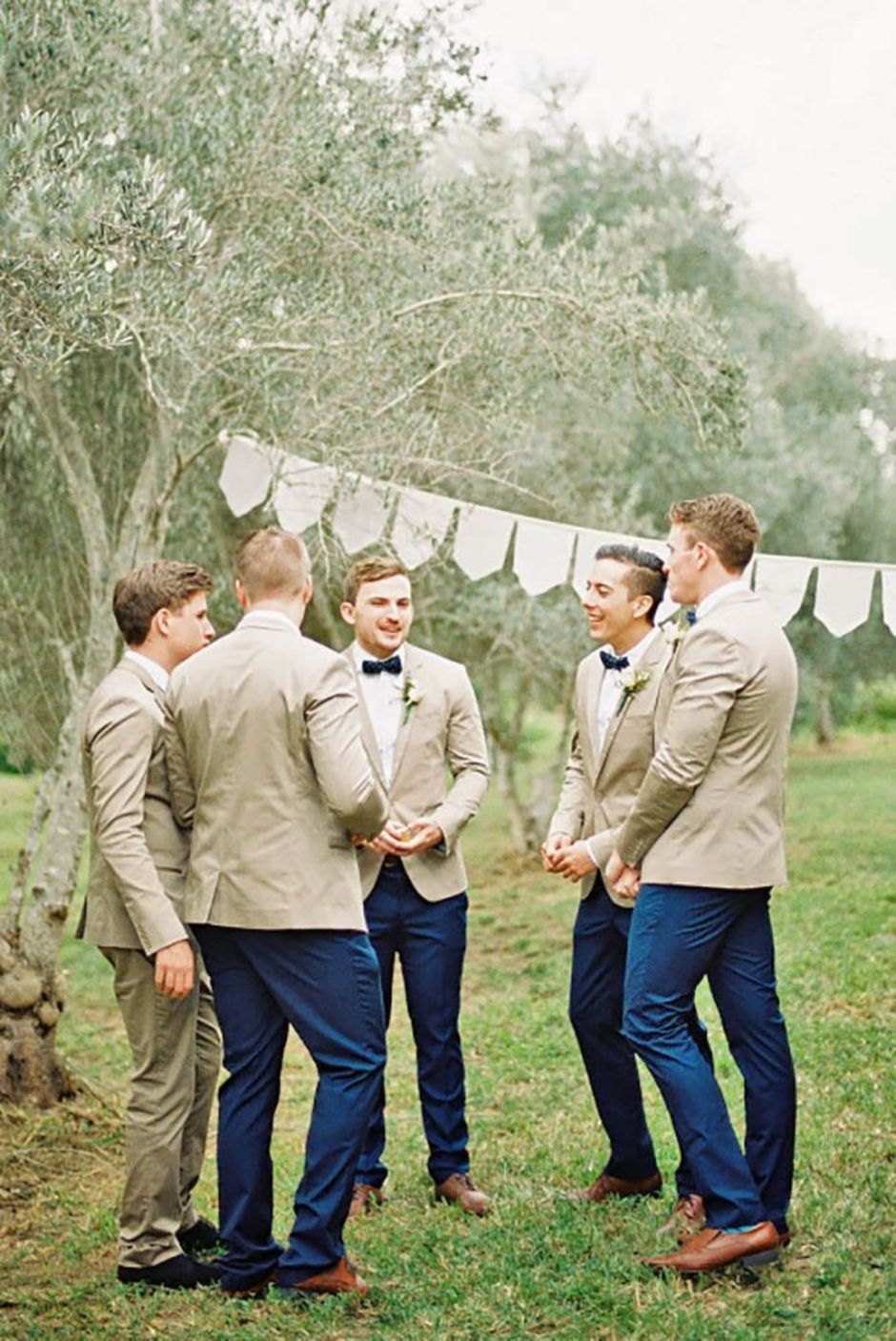 100+ Groomsmen Photos Poses Ideas You Can't Miss 52