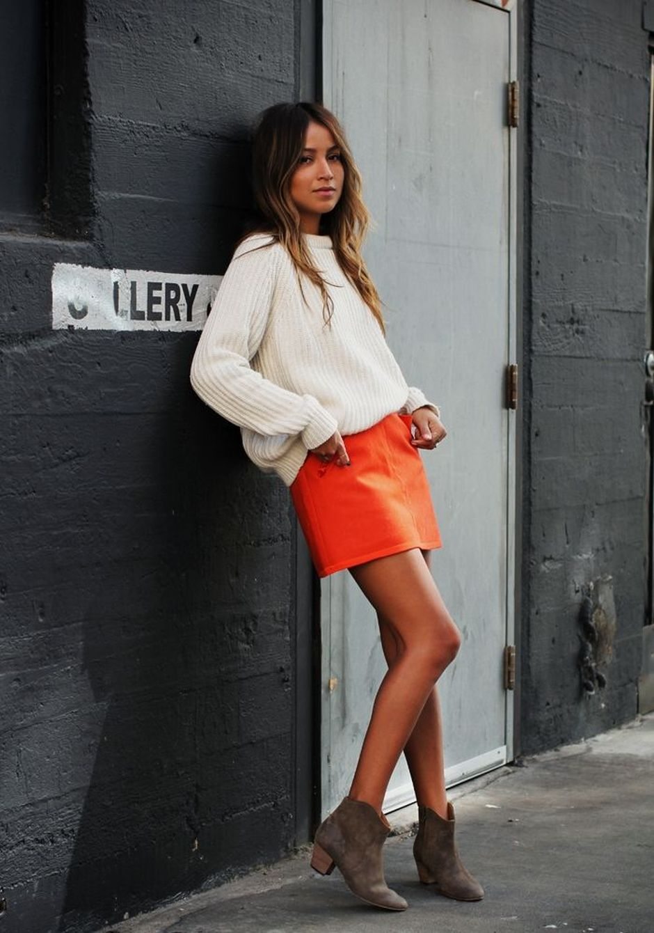 55 Orange Outfit Ideas That Make You Look Young and Fresh 10