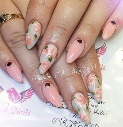 Awesome Floral Nails Design Ideas 17