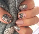 Awesome Floral Nails Design Ideas 20