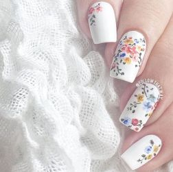Awesome Floral Nails Design Ideas 25
