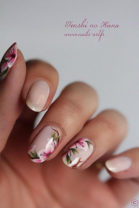 Awesome Floral Nails Design Ideas 28