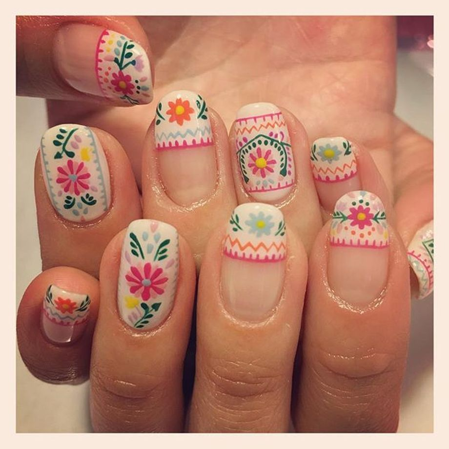 Awesome Floral Nails Design Ideas 4