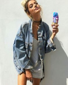 Denim Jacket Outfits Inspirations for Girl 12