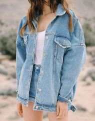 Denim Jacket Outfits Inspirations for Girl 18