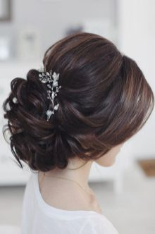 simpe but classy bridal hair do 11