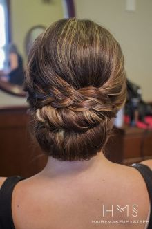 simpe but classy bridal hair do 12