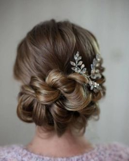 simpe but classy bridal hair do 13