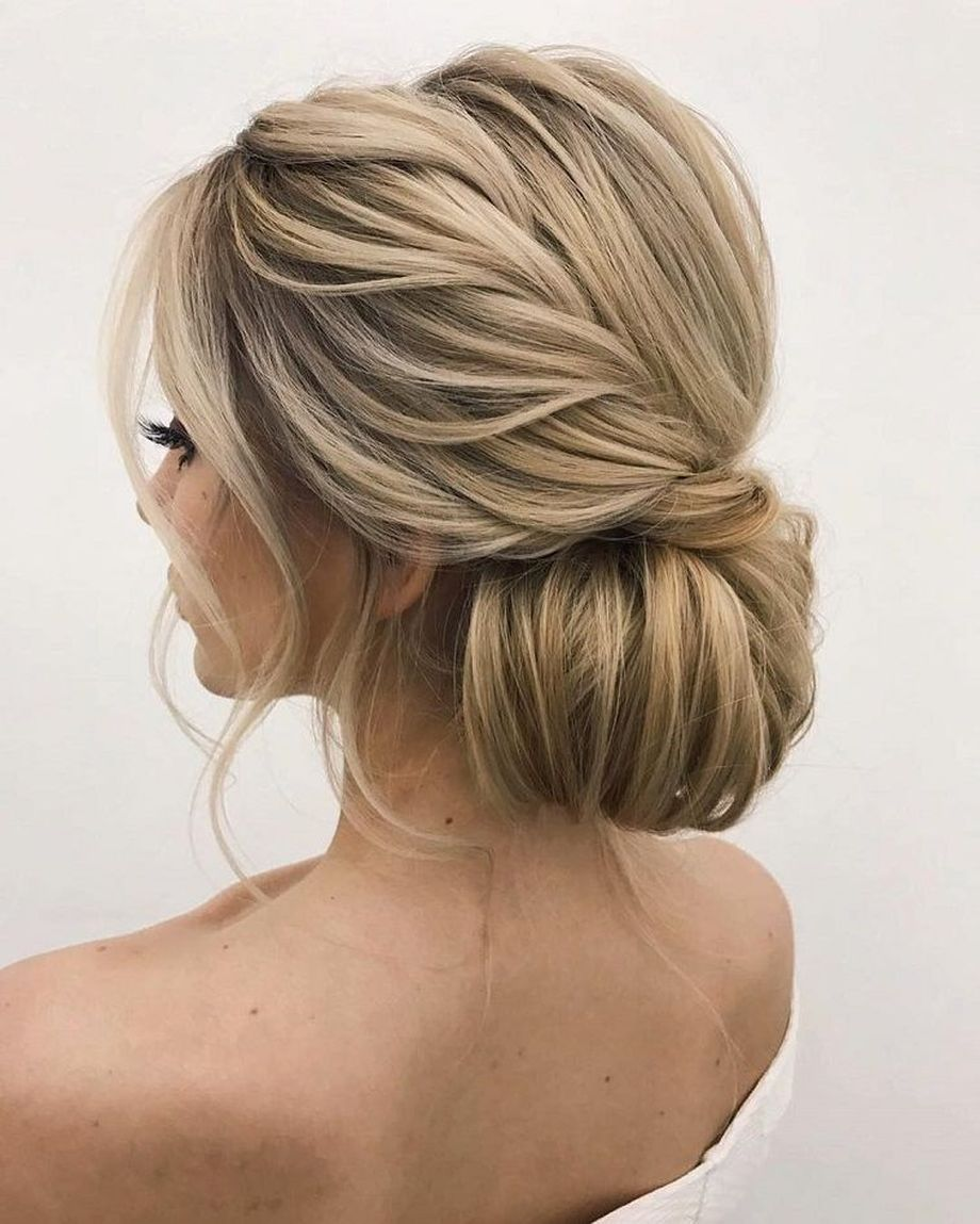 simpe but classy bridal hair do 22