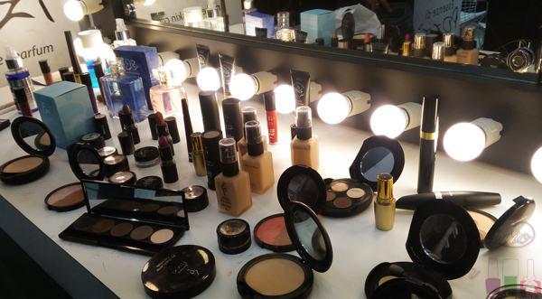 Essenze Di Pozzi - Maquiagem