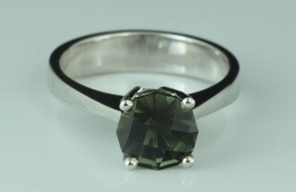 checkerboard desinged bicolor tourmaline gemstone  ring 18 Karats