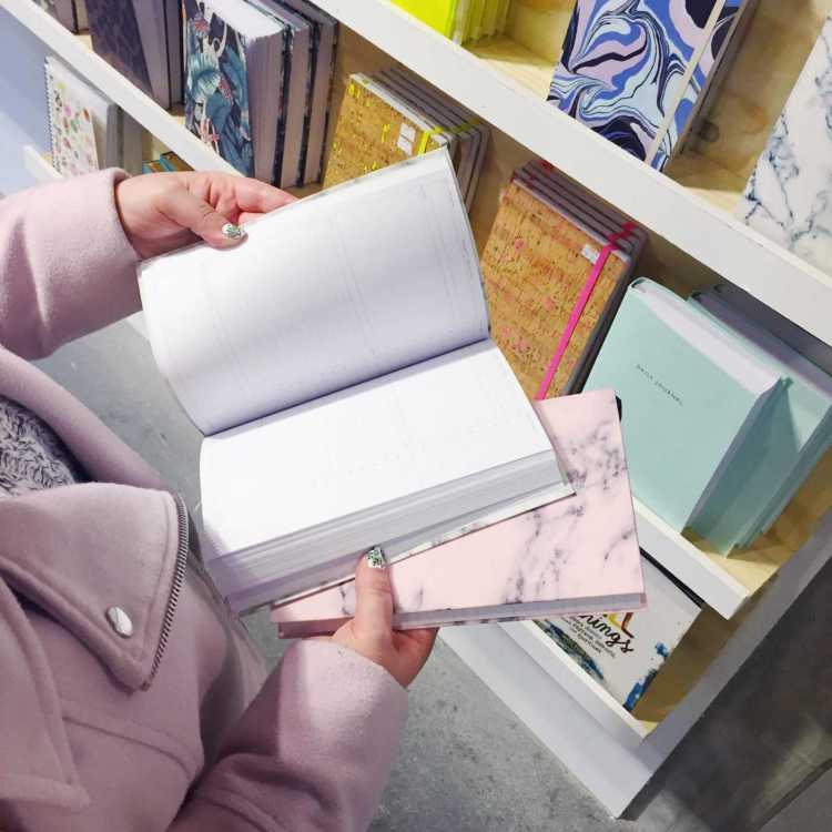 פוסט על חנויות העיצוב הטובות בברלין במגזין Fashion tails Luba Shraga לובה שרגא