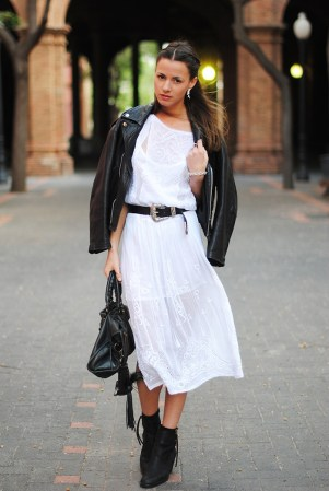 31 Ways to Wear Black and White OutfitsFaux Pas How to wear black white outfit