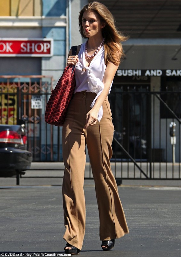how-to-style-palazzo-pants-15