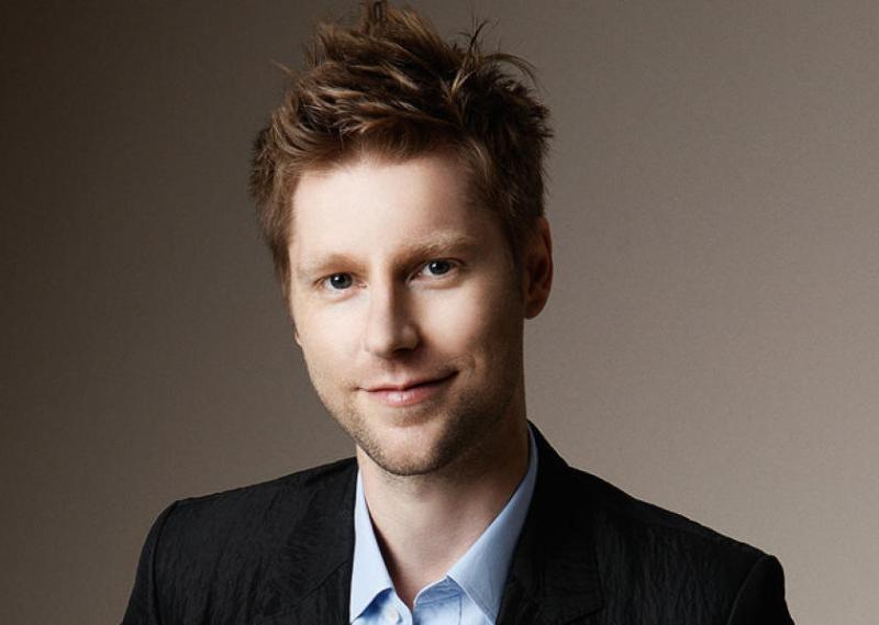 Mame Fashion Dictionary: Burberry Christopher Bailey