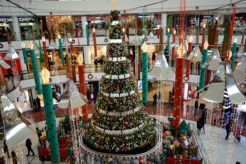 christmas-carnival-select-city-walk-saket