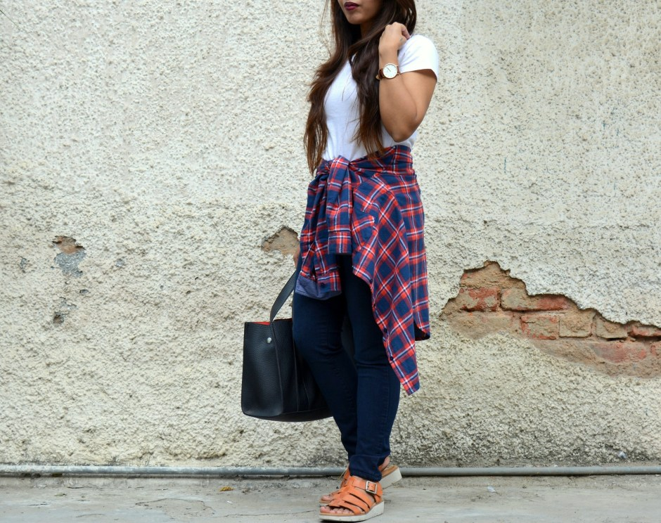 how-to-style-a-plaid-shirt