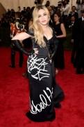 MET Gala 2015 Madonna Moschino GI