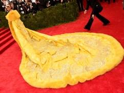MET Gala 2015 Rihanna Guo Pei GI