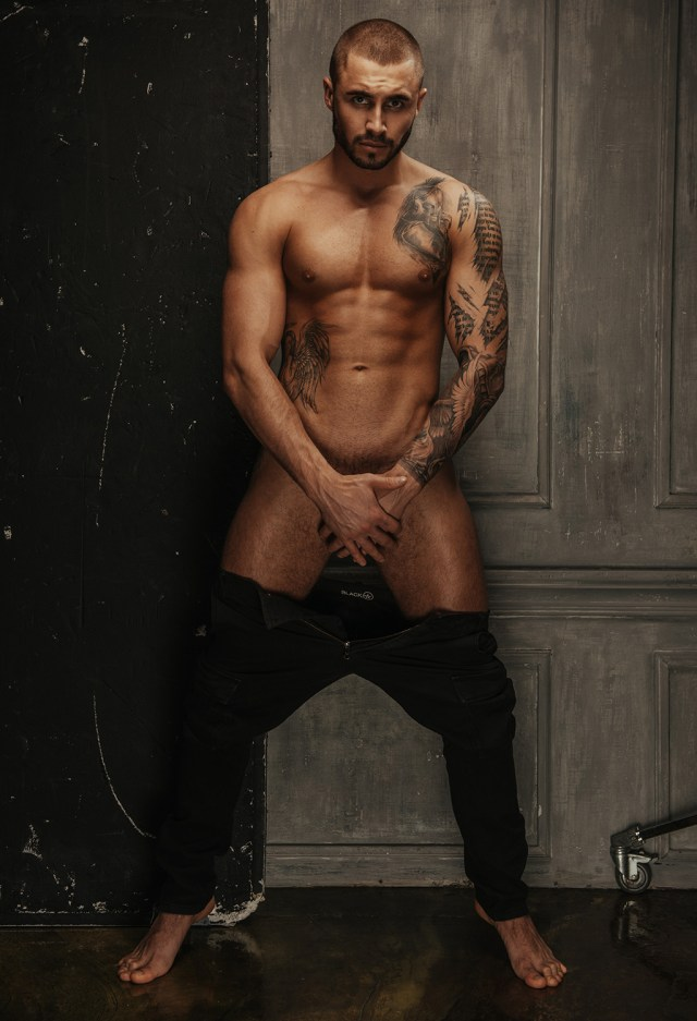 Roman Spartak by Serge Lee for Fashionably Male