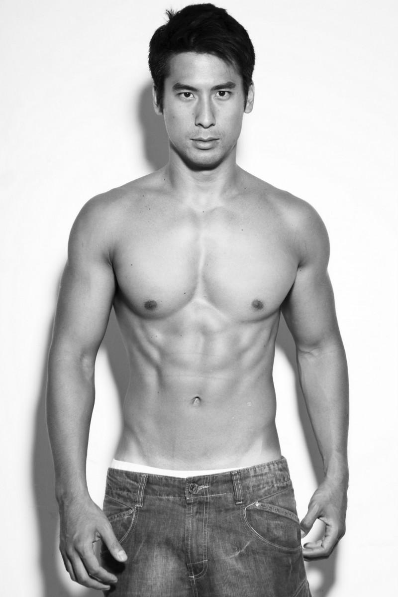 Meet Male Model Cesar Chang - Fashionably Male-7561