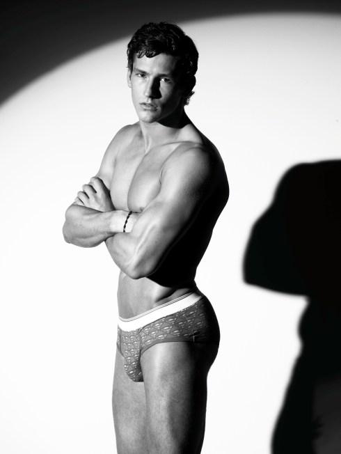 Parker-Gregory-By-Photographer-Arnaldo-Anaya-Lucca-02