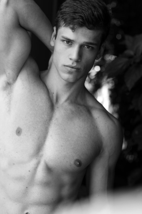 Gabriel-Loureiro-by-Photographer-Lucio-Luna-02