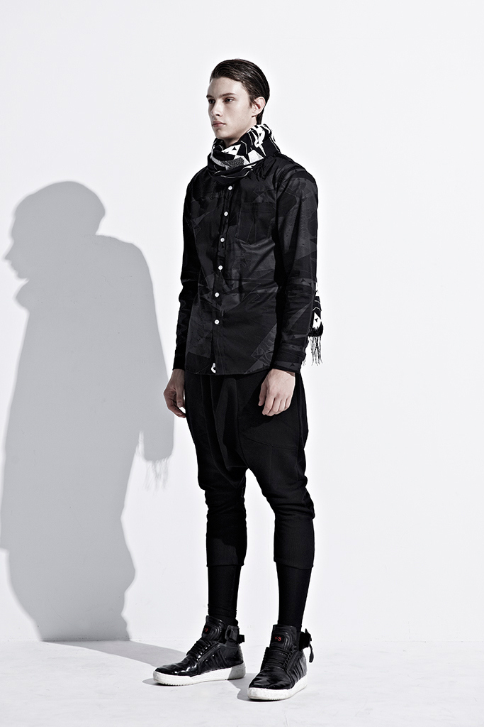 ionism-2013-fallwinter-astray-from-present-lookbook-14