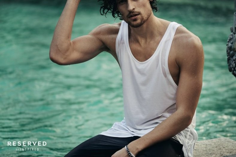 800x533xreserved-spring-summer-2014-campaign-wouter-peelen-photos-003.jpg.pagespeed.ic.wtrZI4ILIS