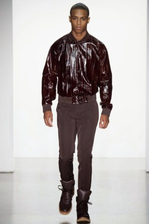 Calvin-Klein-Collection-Milan-Men-SS15-2530-1403444922-bigthumb
