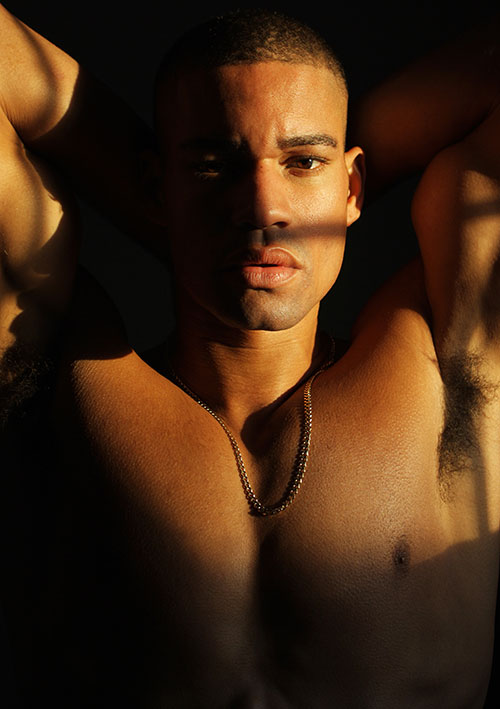 Male Model Deric Mickens is represented by famous NYC Soul Artist Management, he's 5'11, with a beautiful skin and toned body has walked for Official 2(x)ist Fashion Show and we attached some snapshoot from photographer Torian Lewin.