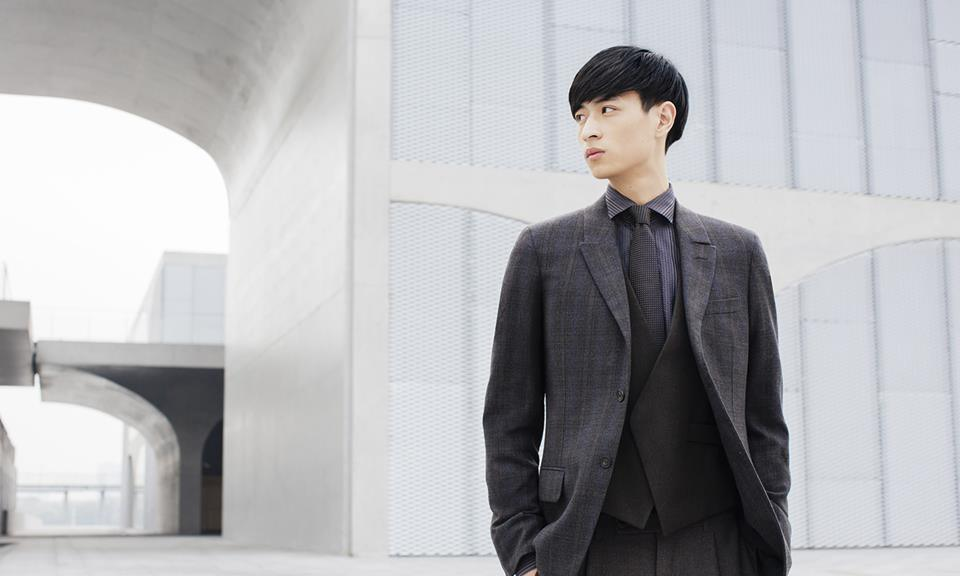 Street style photographer Tommy Ton interprets a key concept of Stefano Pilati's Ermenegildo Zegna Couture collections: The Broken Suit. Check out all the images taken in Shanghai: http://bit.ly/tommy-ton-zegna