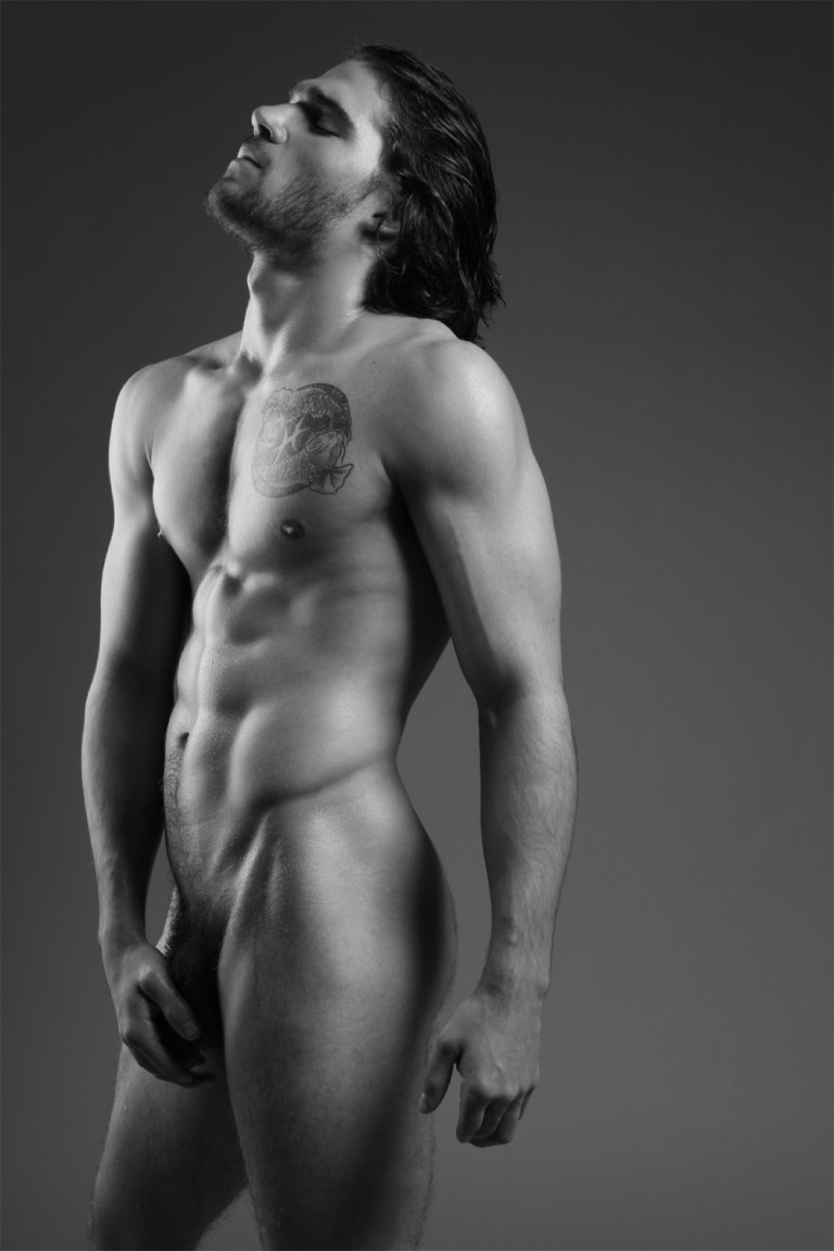 Photography of Michael Dar is extremely well done, capturing male beauty without any problem, your session is clean, simple, but fits perfect. In this exclusive Fashionably Male to present his muse John Costakis a guy with a manly beauty, posing like a adonis, with exquisite body and he looks without any shame at all. This long-haired American boy wakes us all deep sensations to see this intimate session for all of you.