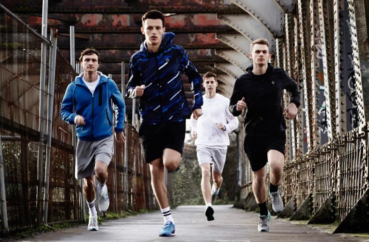 Topman introduces its latest sportswear range, just in time for your January fitness regime. This second phase of functional performance pieces are built with cold, dark months in mind, with reflective logos and packaway waterproof jackets meaning you can get your exercise in even in the most inclement weather conditions.