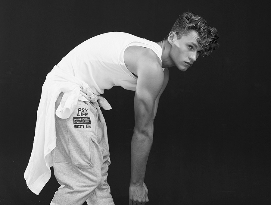 Model Zachary Grenenger at Priscillas Model Management posing for the lens of Walter Maurice for Pagesdigital. Styling by Romi Nam Grooming by Linh Nguyen @ Prema Hair.