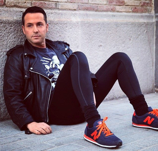 Today we are so happy to introduce you Spanish Professional Stylist and fashion guru Ra Casas, in this interview he shares his own vision of the world of fashion styling and also the experience of his projects and new coming goals.