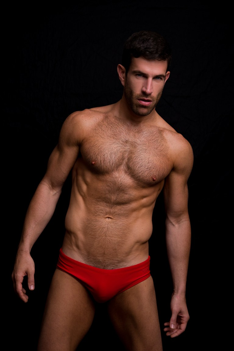 American stunner Josh Owens connects with talented photographer Fritz Yap for a brilliant outdoorsy session and some beauty indoors snaps. Josh is signed by Elite Miami. #HappyHumpDay