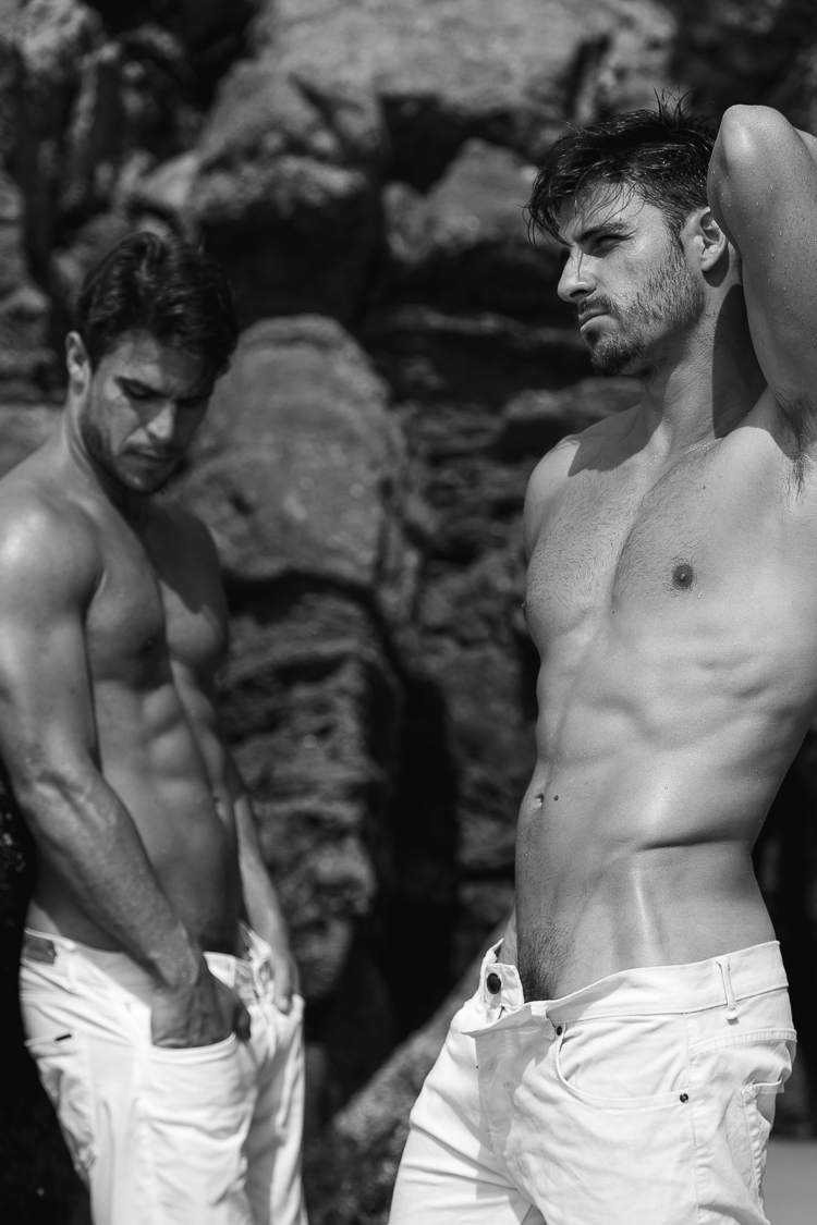 Presenting the new shoot of Brazilian Photographer Jeff Segenreich with sexy models Bruno Oliveira and Matheus Rodrigues. Yes! #HappyHumpDay