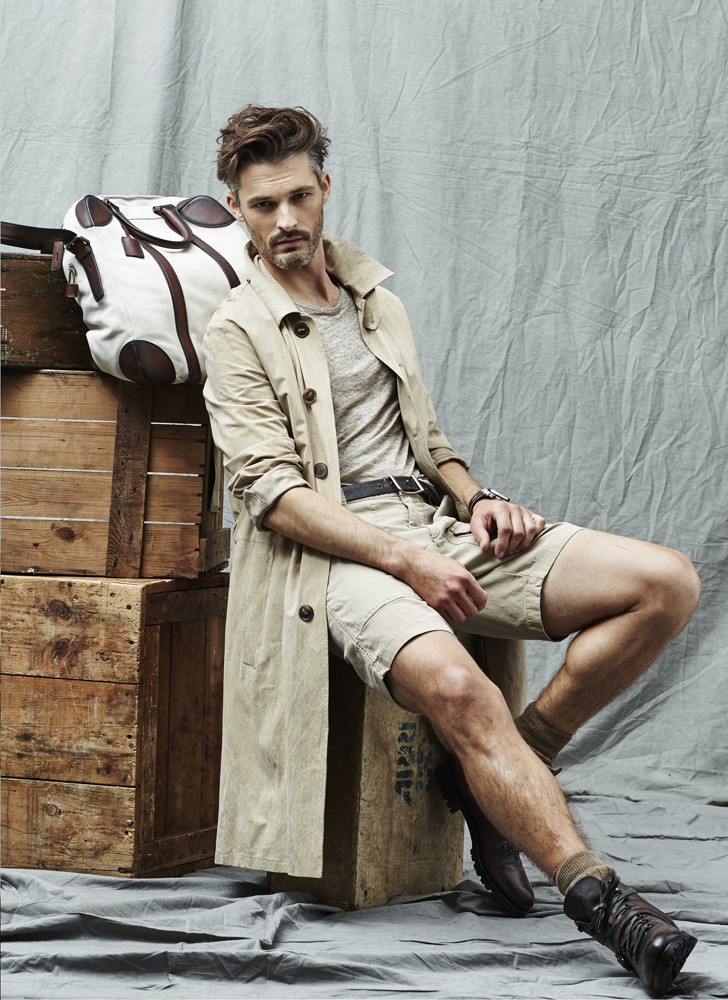 American model Ben Hill hits the studio to shoot a new story featured in the June issue of Vogue Hombre. Connecting with photographer Matthew Scrivens, Ben poses for a fashion editorial styled by Christopher Campbell, who combines timeless neutral tones with military references, precious embroideries or lightweight summer fabrics. Decked out in fashions from the likes of Gucci, Salvatore Ferragamo, Dries Van Noten and other menswear brands, Ben easily switches from ribbed jumpers to double-breasted suits or safari-inspired suede jackets. /Hair by Riad Azar.