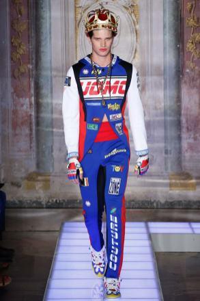 Moschino Menswear Spring2016482