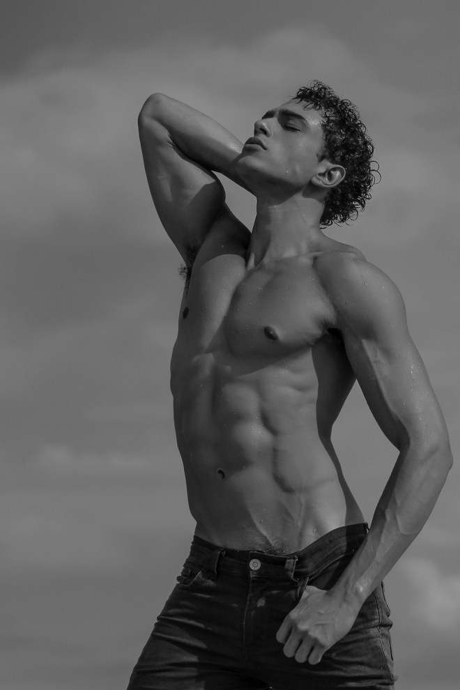 Masculine handsome Brazilian up and coming Raony Brito is posing his athletic body and figure for the lens of Marcio Farias. Ricardo is signed by 40 Graus Models