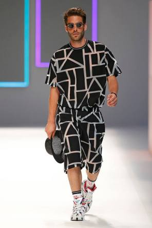 Krizia Robustella Spring 2016 Menswear Barcelona510