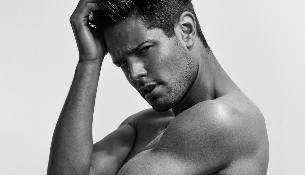 Talented photographer Paul Fitzgerald is sharing with us his recent studio series starring the gorgeous Alex Cairns, represented by Chadwick Models, Australia