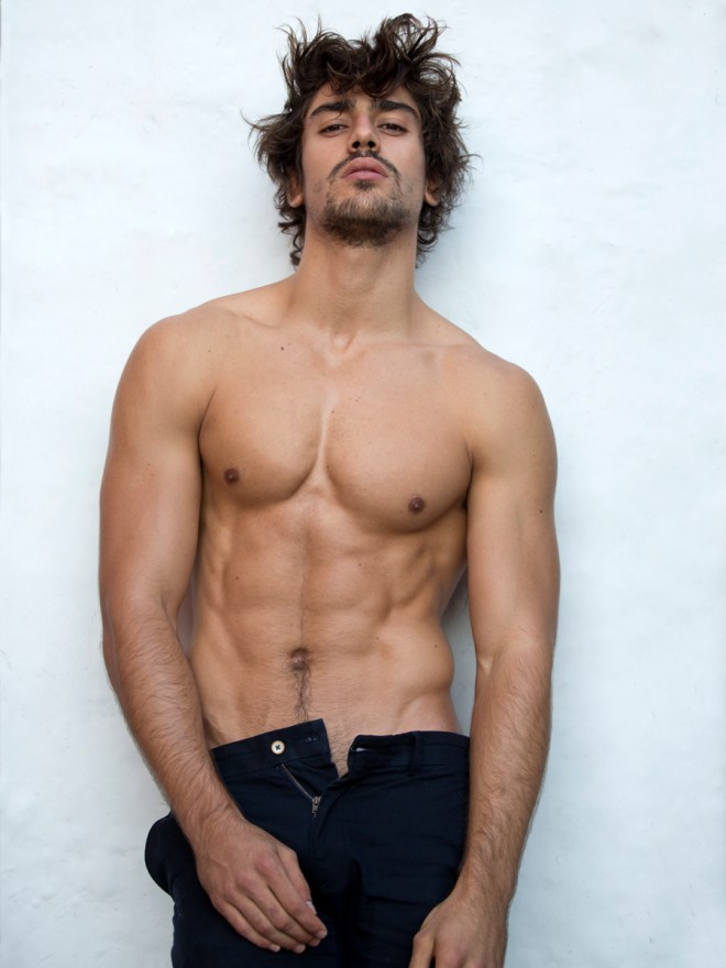 Wowed stunning shots snapped by Karl Simone featuring Ignacio Ondategui @ Soul Model Management updated shots for a casting male solo.