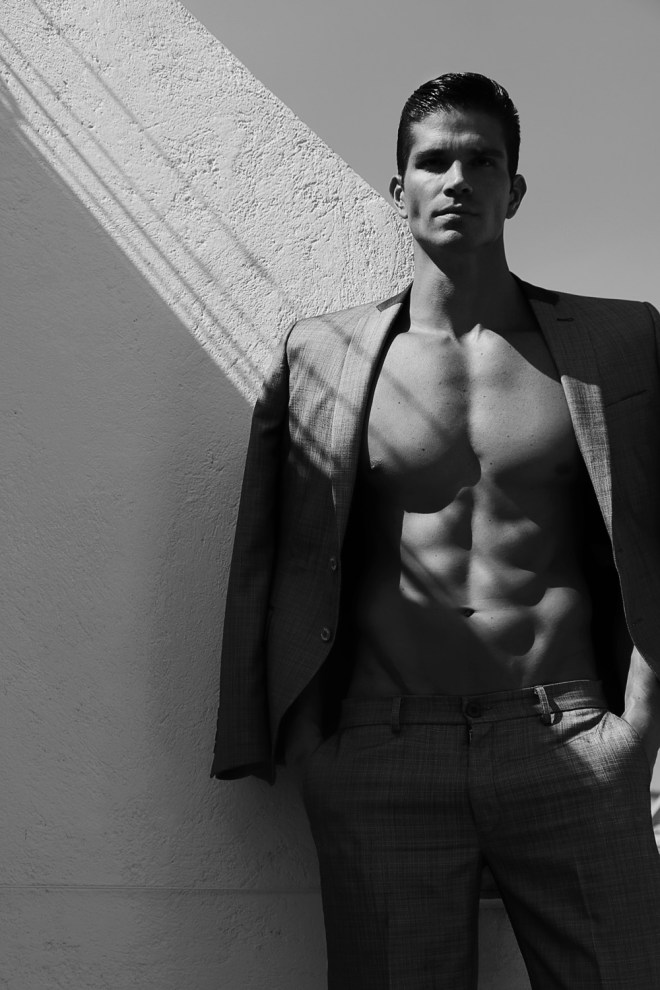 Dashing Colombian male model Miguel Orjuela connects with photographer Alan Román to shoot an amazing work they did together.