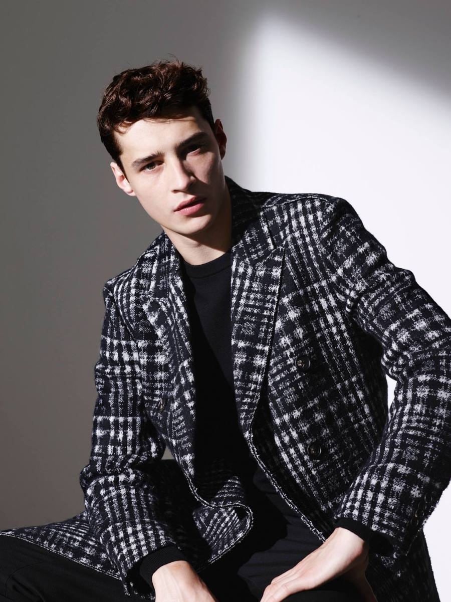 Korean fashion brand Marcbrick releases its Fall/Winter 2015 Lookbook starring by Adrien Sahores.